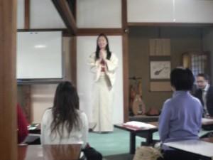 椎名由紀さん 退蔵院にて